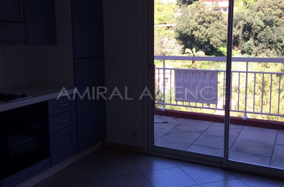 Studio a louer a menton dans residence neuve avec piscine for Appartement a louer a mohammedia avec piscine
